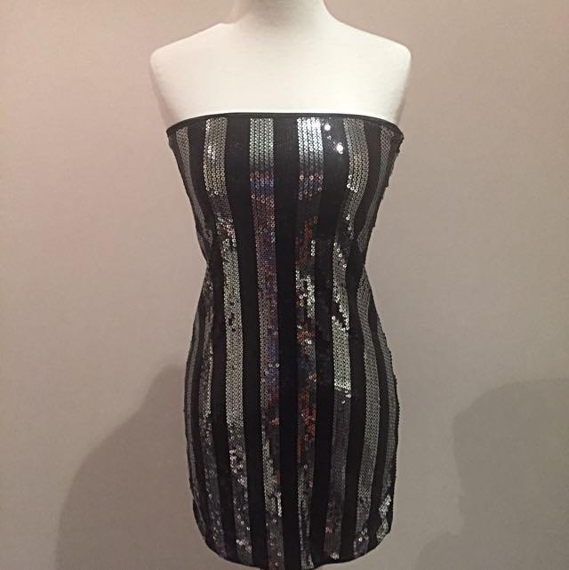 Sequinned Mini Dress 👗 Size 8