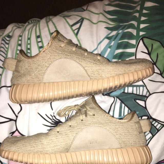 Size 10 US YEEZY
