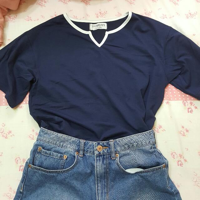 全新深藍色滾邊t恤 黑色彈性短裙