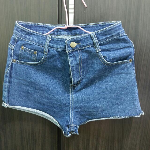 X 捲褲管顯瘦牛仔短褲