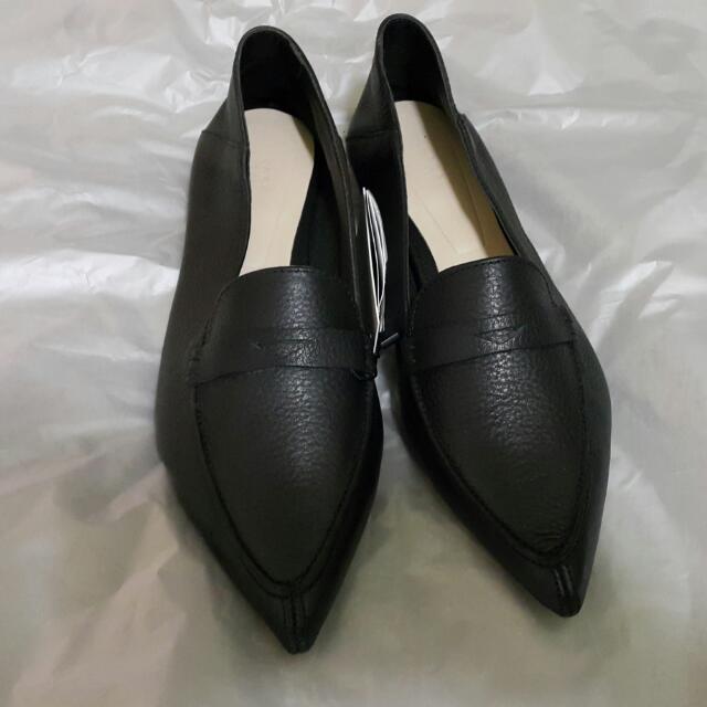 ZARA時尚尖頭牛皮鞋 38