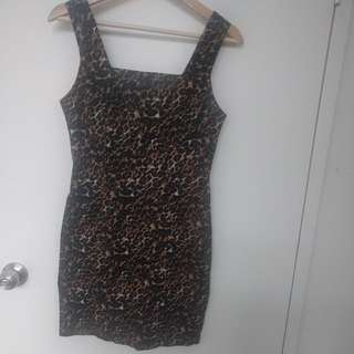 Cheetah Print Bodycon Dress. Forever 21. Size Small