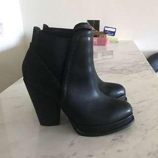 Grace Gift 高跟短靴
