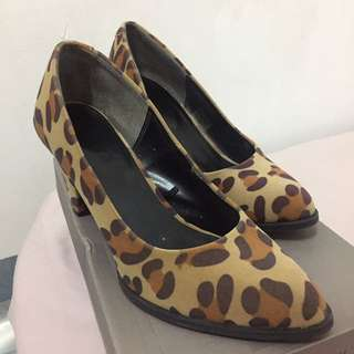 Uniqlo Leopard Shoes