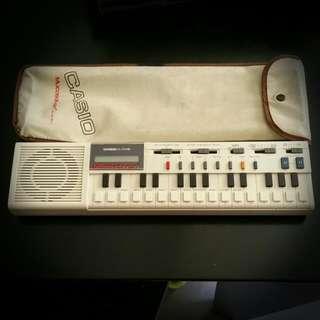 Casio VL-tone Vintage Handheld Keyboard