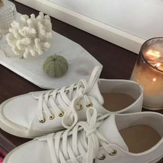 Country Road Leather Sneakers