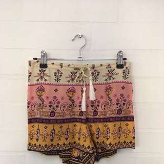 Spell & The gypsy Shorts Size m