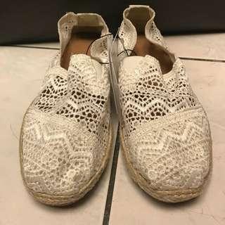 Forever21 白色蕾絲鞋