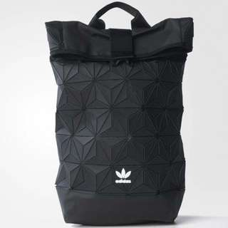 Adidas 三宅一生 後背包 束口包 白色 黑色