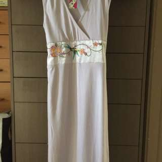 Bella Babe Dress With Embroidered Tie Belt
