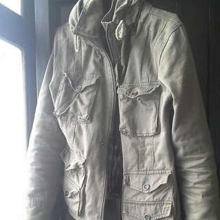多口袋潮流軍綠色厚外套 L號