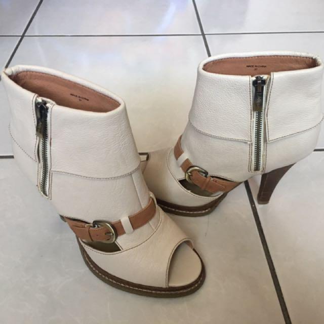 原價3980 二手 Misssofi 露趾高跟短靴/37號/23.5公分