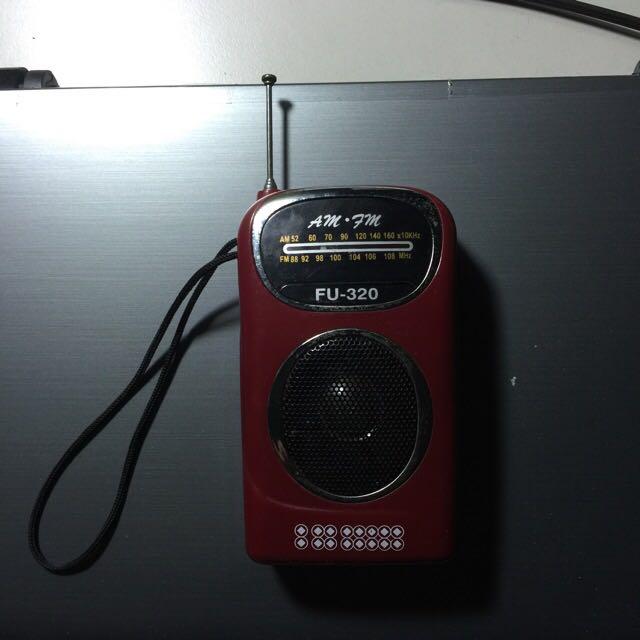 便宜好用  半買半相送 隨身FM廣播 使用正常