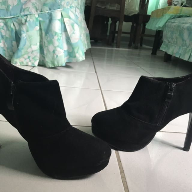 Ankle Boots 9