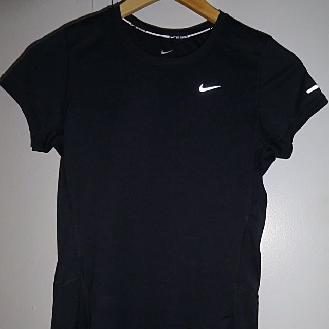 Authentic Nike Running Dri-Fit T-shirt