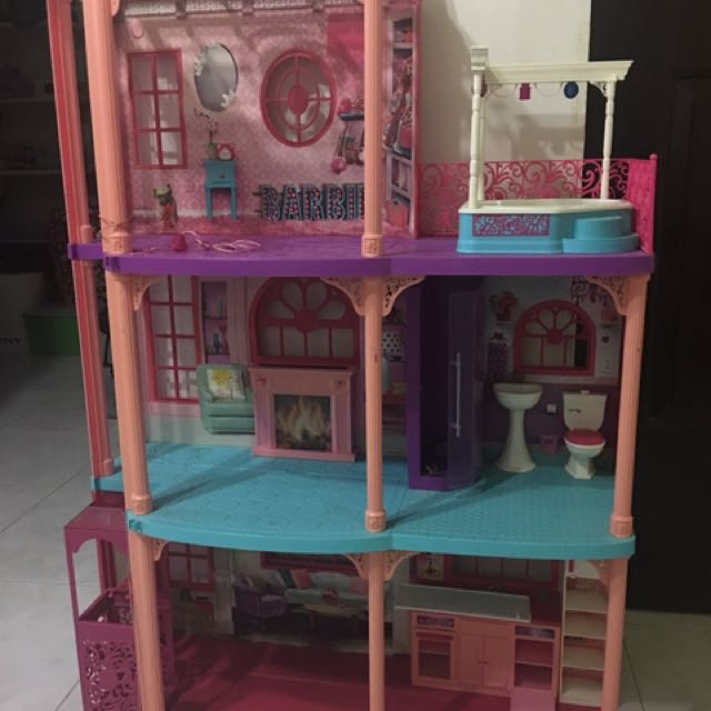 Barbie playhouse/dollhouse - Moving Out Sale! FURTHER REDUCTION!!!  Must Clear By Apr 19