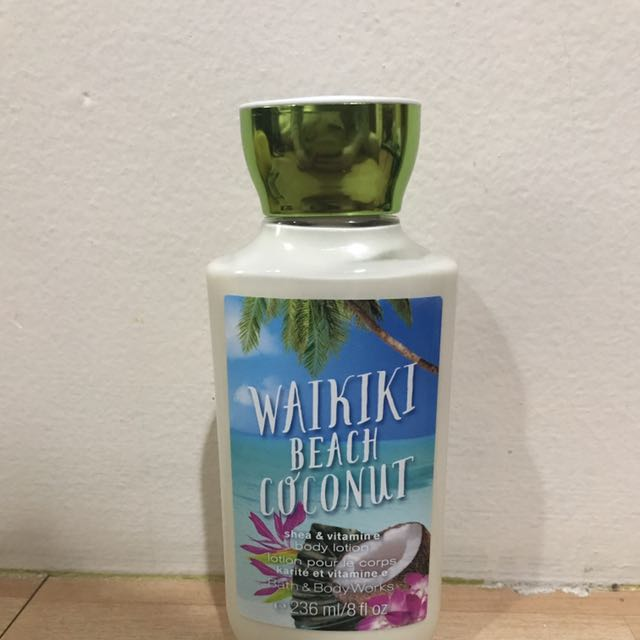 Bath & Body Works Lotion Waikiki Beach Coconut