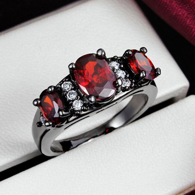 Black Fashion Ring Noble Luxury Elegant Charm Zircon Crystal Jewelry + Free Shipping