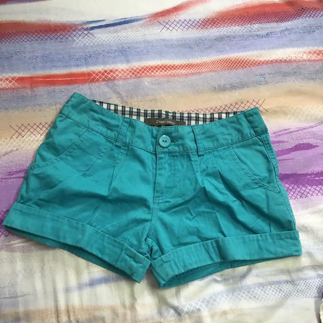 Celana Pendek warna biru