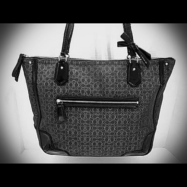 SOLD!! Coach Poppy Black Signature Jacquard & Patent Leather Tote 100% Original Pre-loved