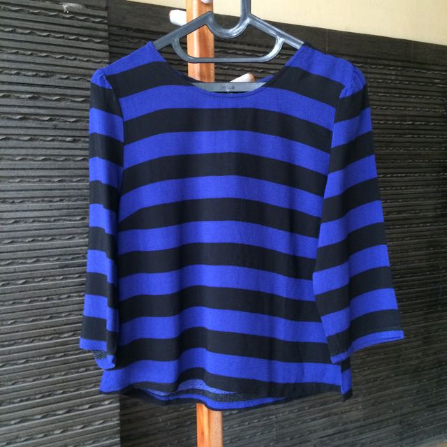 Forever 21 Woven Blue-Black Top