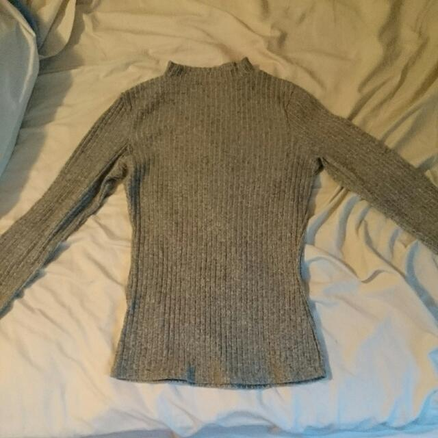 Size 10 Grey Long Sleeve Top