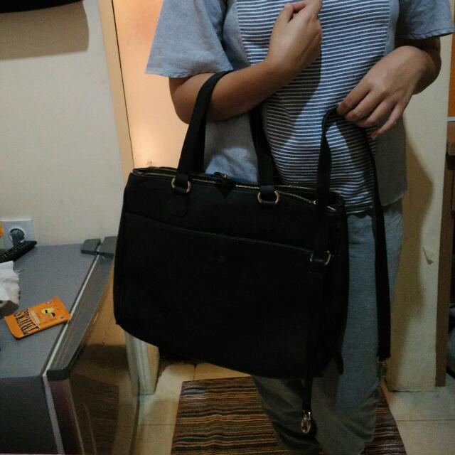 Hand bag stradivarius