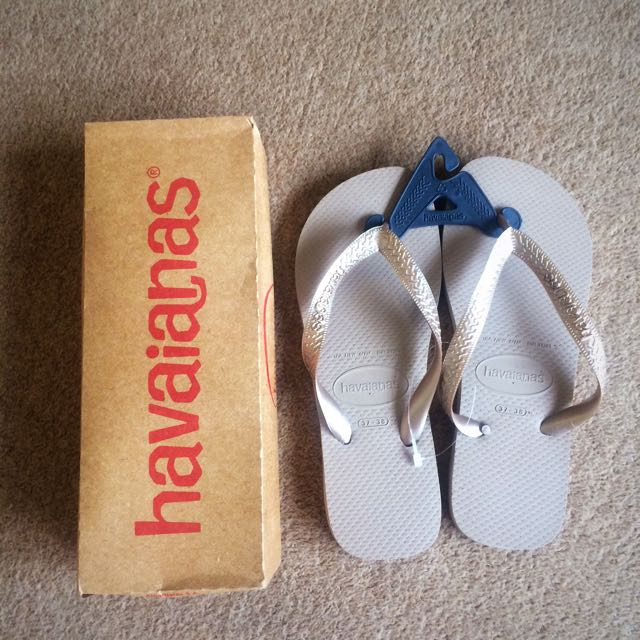 Havaianas Rose Gold Top Metallic Thongs
