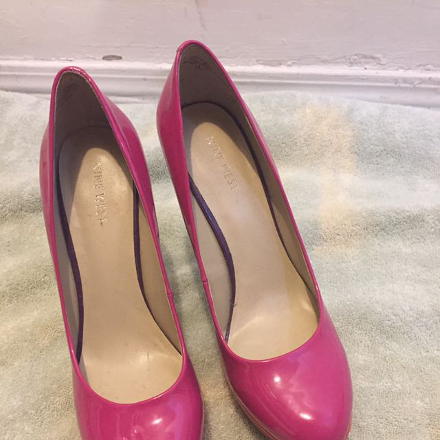 Hot Nine West Pump