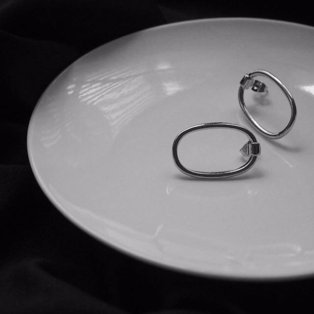Lia Circle Earring