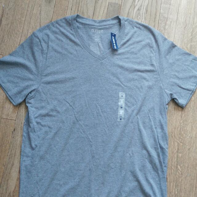 Old Navy Classic V-neck T-shirt