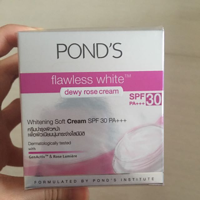 ponds flawless white dewy rose cream spf 30