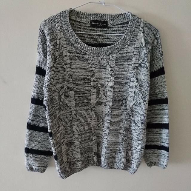 Queenshop 圓領正反雙面設計麻花橫紋針織上衣 毛衣