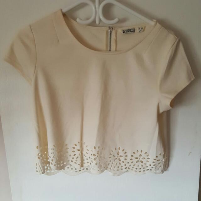 Size Small Bluenotes Cropped Tee