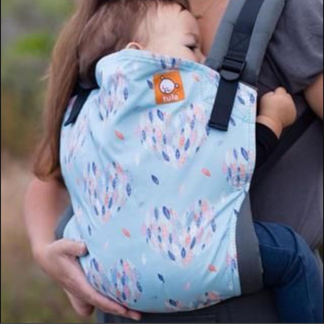 Tula Exclusive Hearts A Flutter Canvas Carrier