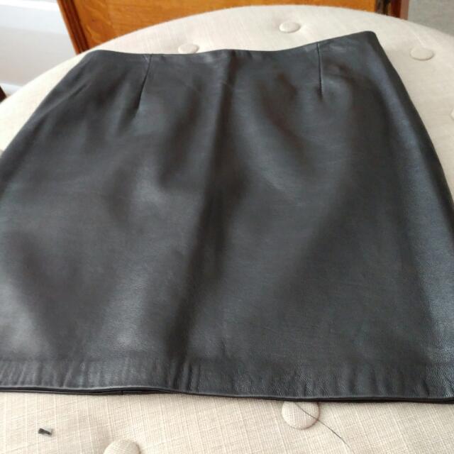 Vintage Danier Leather Skirt. Size 0