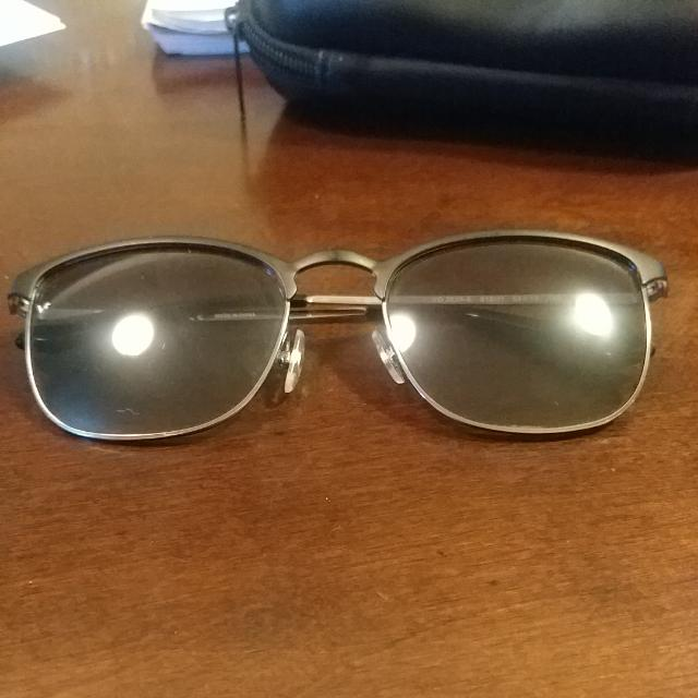 Vogue Sunglasses VO3829-S With Case Light Wear