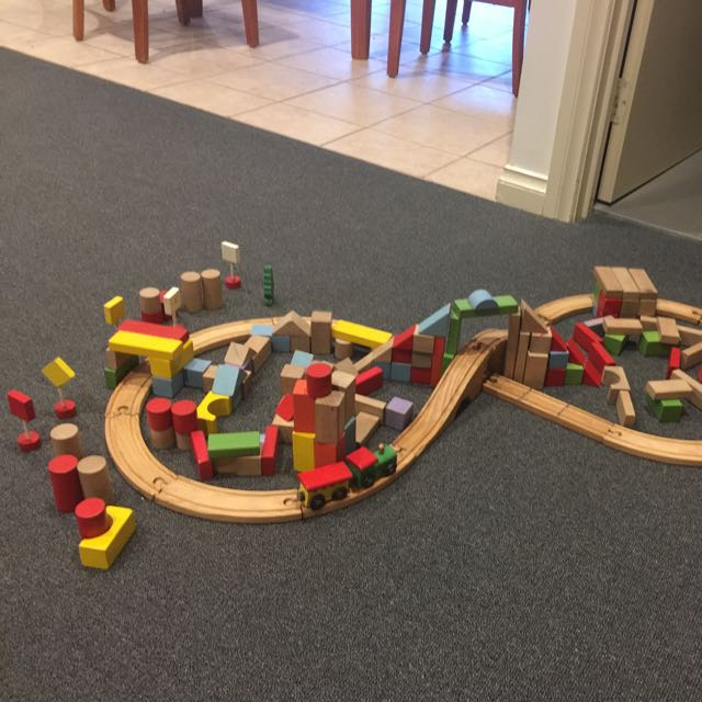Wood Toys With Approximate 200 Peaces