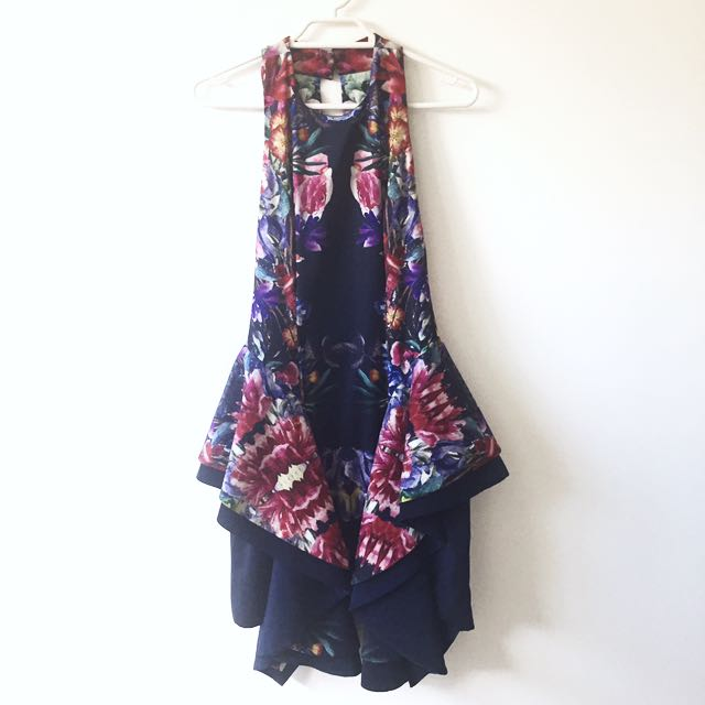 XS Cameo Collective Floral Dress In Navy
