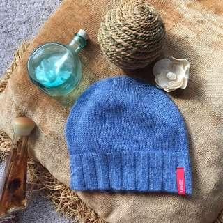 ESPRIT: Blue hat