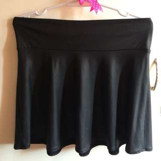 (Forever21) Faux leather skirt
