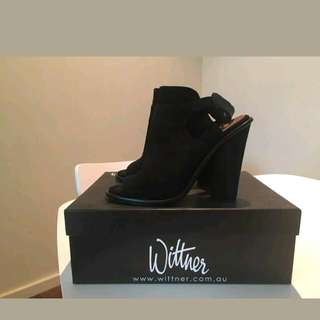 Wittner boots Black suede Shoes size 39 8 8.5