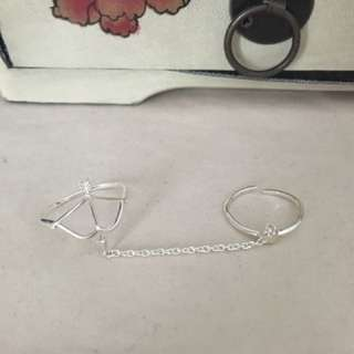 Arrow Heart Connected Ring