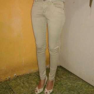 Pre❤d Celana Zara Woman Wrna Cream Ukuran M Dijual Krna Sdh Beralih Syar'i 😊☺