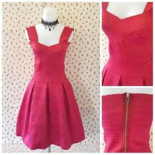PREMIUM red stretch dress 🌟