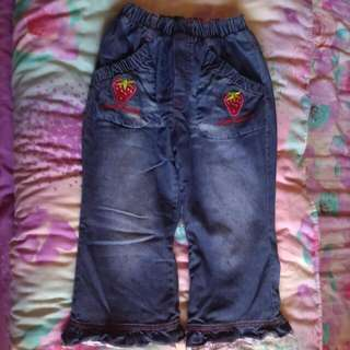 女孩牛仔褲
