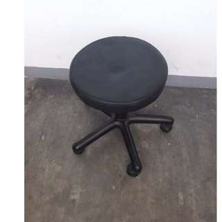 Stool Chair with wheels, Automatic- Japan's Surplus Office Furniture