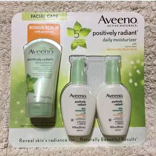 Aveeno Active Naturals Positively Radiant Set
