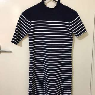 Stripe dress size 6