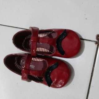 Sepatu  Merek CooGee